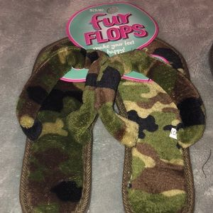 Shoes - Fur Flops house slippers
